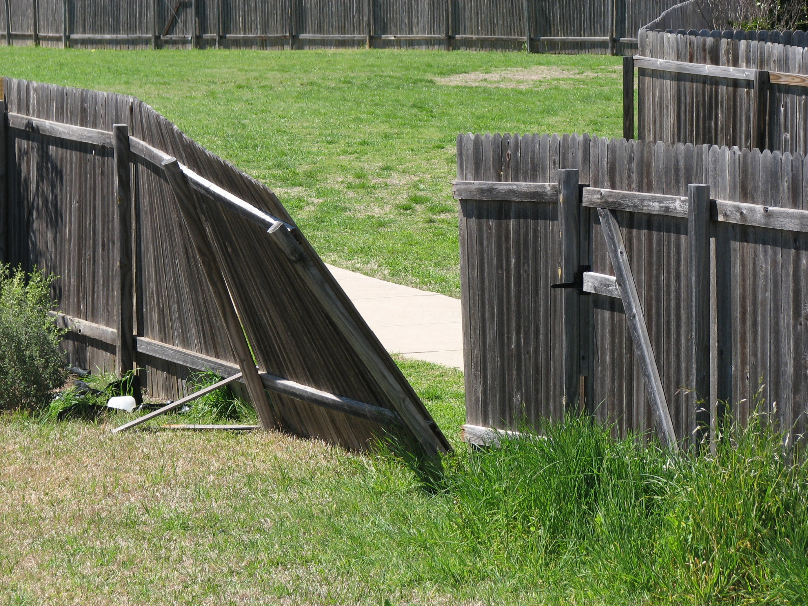 Wooden fence repair Lake Worth